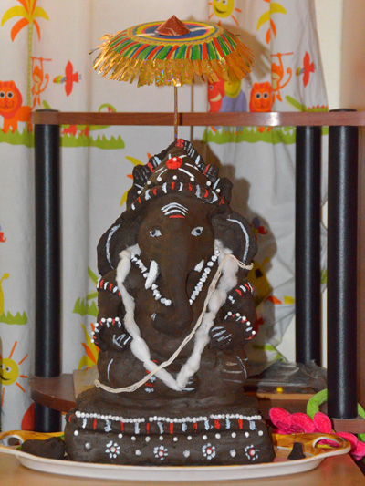 hand made ganapati idol for vinayaka chaturthi
