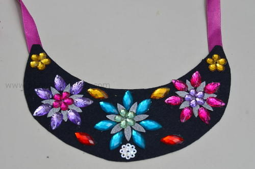 bib_necklace_for_kids